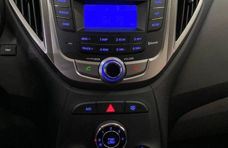 Hyundai HB20 Premium 1.6 Flex 16V - Foto #6