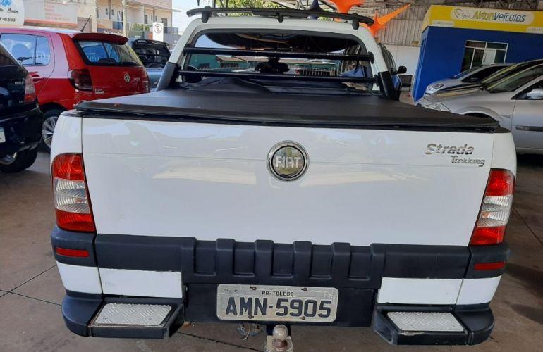 Fiat Strada Trekking 1.8 8V - Foto #5