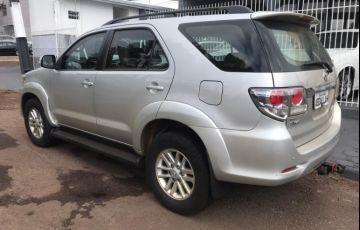 Toyota Hilux SW4 SRV 3.0 TDI 4X4 (5 Lugares)