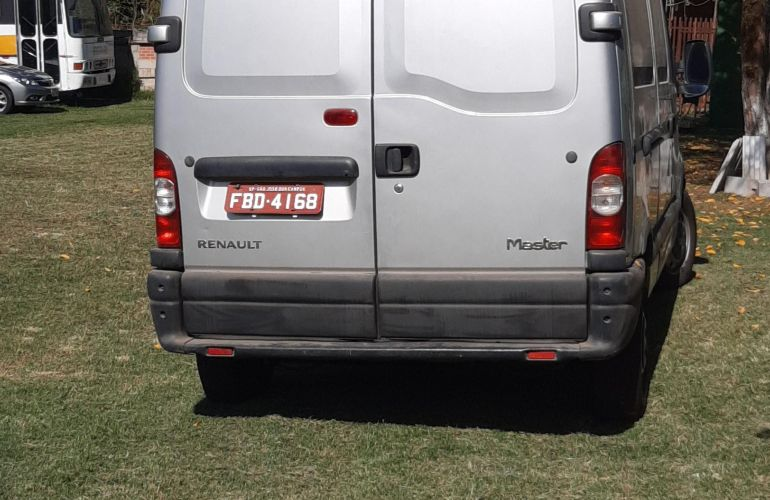Renault Master Furgao 2.5 dCi L2H2 - Foto #3