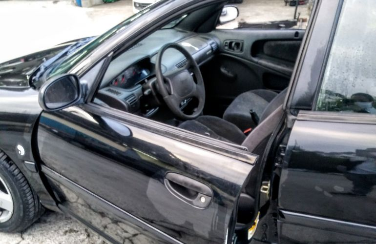 Chrysler Neon LE 2.0 16V (aut) - Foto #9