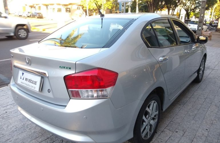 Honda City EX 1.5 16V (flex) (aut.) - Foto #6