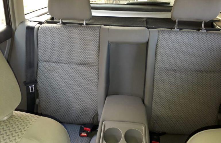 Toyota Corolla Fielder 1.8 16V - Foto #9