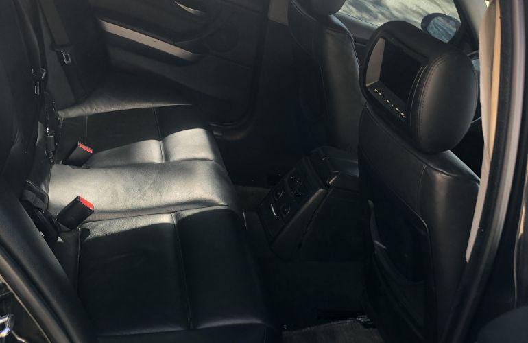 BMW 750i 4.8 32V - Foto #2