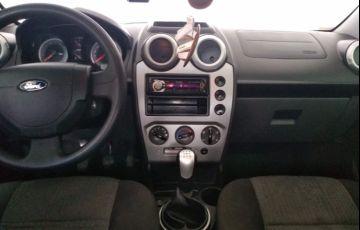 Ford Fiesta Sedan SE Plus 1.6 RoCam (Flex) - Foto #8