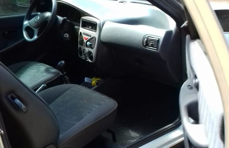 Fiat Strada Adventure 1.8 8V (Cabine Estendida) - Foto #2