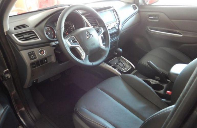 Mitsubishi L200 TRITON SPORT HPE S 4WD 2.4 - Foto #8