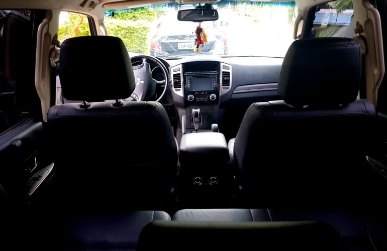 Mitsubishi Pajero Full 3.2 DI-D 5D HPE 4WD - Foto #3