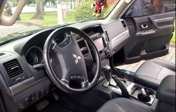 Mitsubishi Pajero Full 3.2 DI-D 5D HPE 4WD - Foto #9