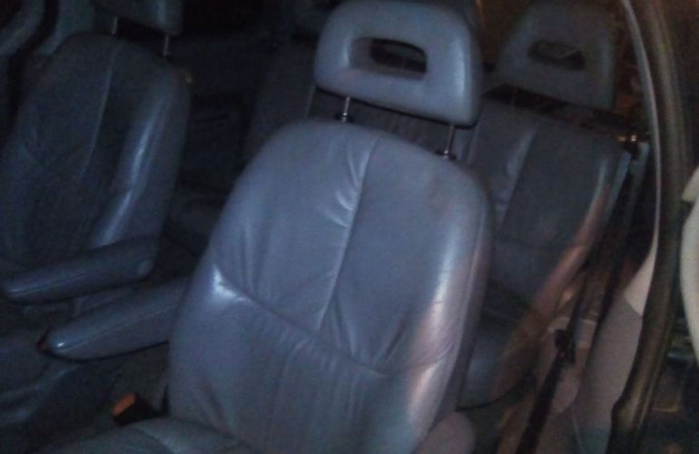 Chrysler Caravan LE 4x2 3.3 V6 12V - Foto #4