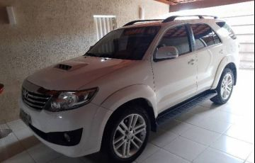 Toyota Hilux SW4 SRV 3.0 4X4(5 lugares)