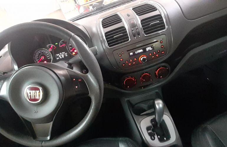 Fiat Grand Siena Essence 1.6 16V Dualogic (Flex) - Foto #2