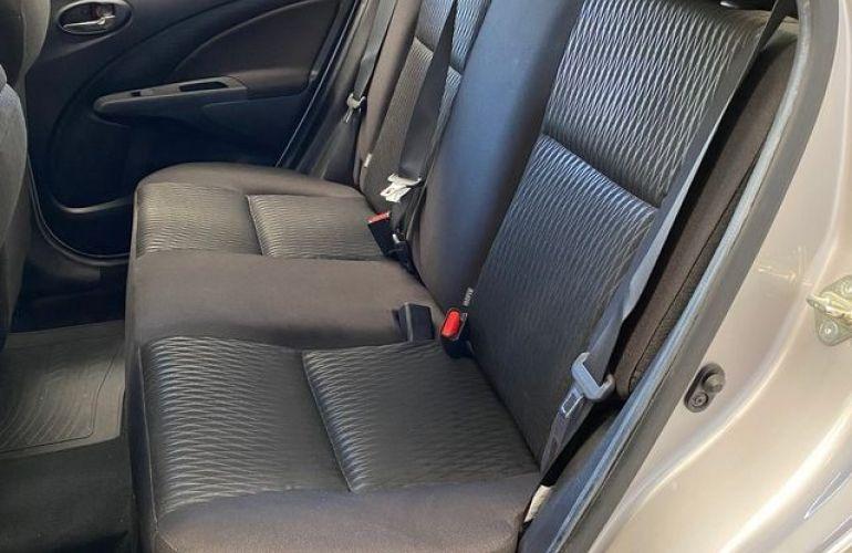Toyota Etios XS-AT 1.5 16V Flex - Foto #7