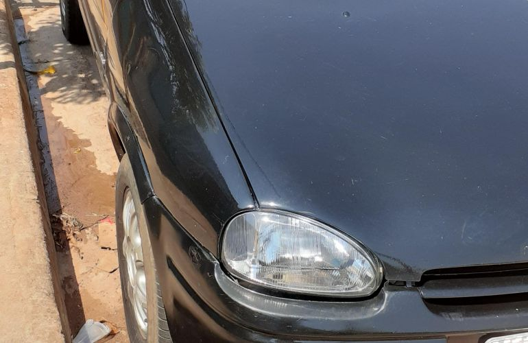 Chevrolet Corsa Hatch GLS 1.6 MPFi - Foto #1