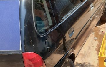 Chevrolet Corsa Hatch GLS 1.6 MPFi - Foto #3
