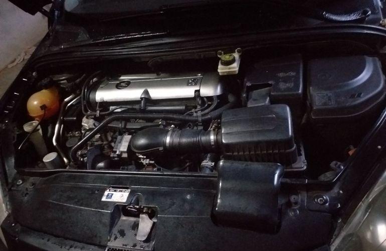 Peugeot 307 Hatch. Feline 2.0 16V (aut) - Foto #9