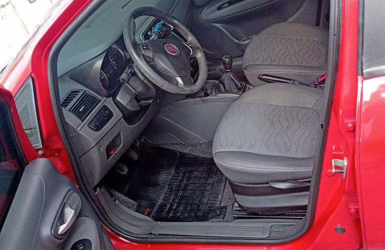 Fiat Punto Essence 1.6 16V (Flex) - Foto #8