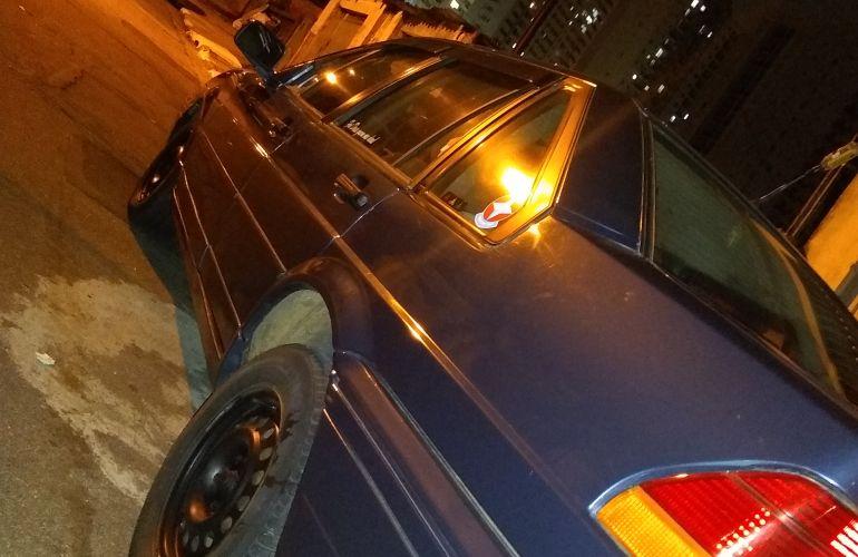 Ford Versailles GL 1.8 i - Foto #4