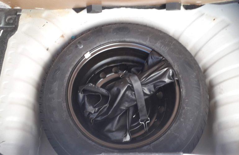 Nissan March 1.6 16V SV (Flex) - Foto #10