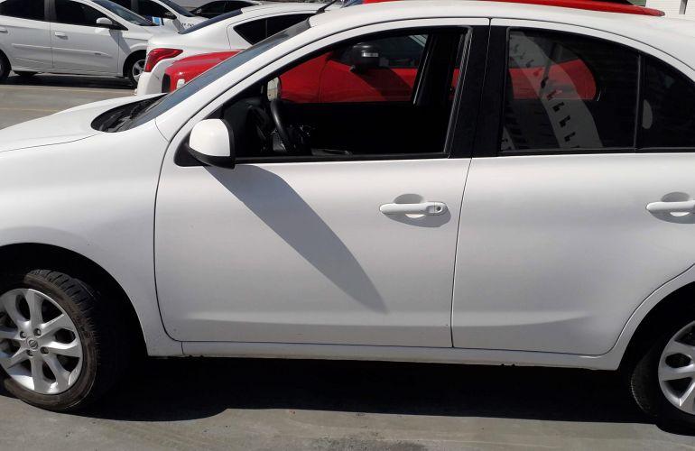 Nissan March 1.6 16V SV (Flex) - Foto #2