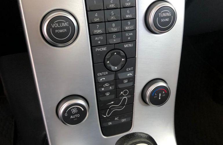 Volvo C30 2.0 (aut) - Foto #2