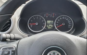 Volkswagen Voyage Comfortline I-Motion 1.6 (Flex) - Foto #8
