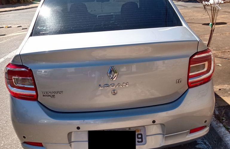 Renault Logan Expression 1.6 8V - Foto #4