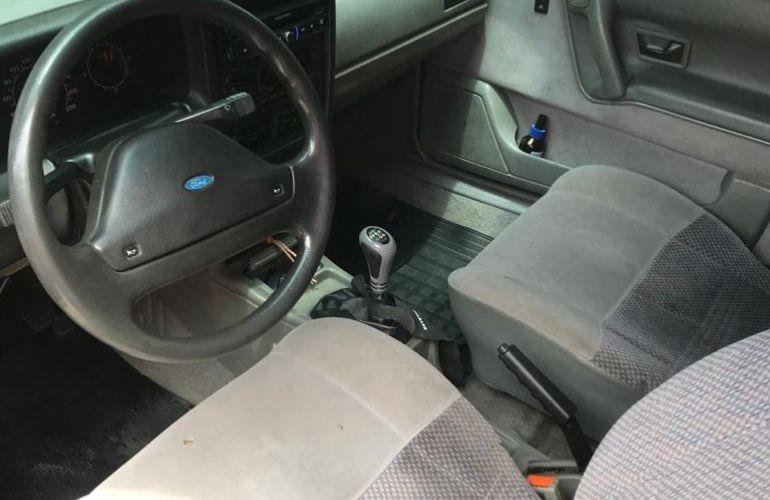 Ford Versailles Royale GL 2.0 i - Foto #2