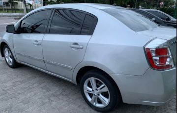Nissan Sentra 2.0 16V - Foto #2