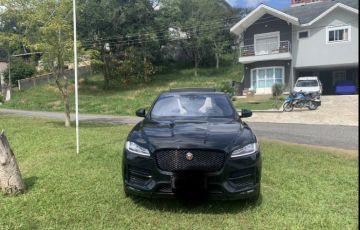 Jaguar F-Pace 2.0 R-Sport 4WD - Foto #2