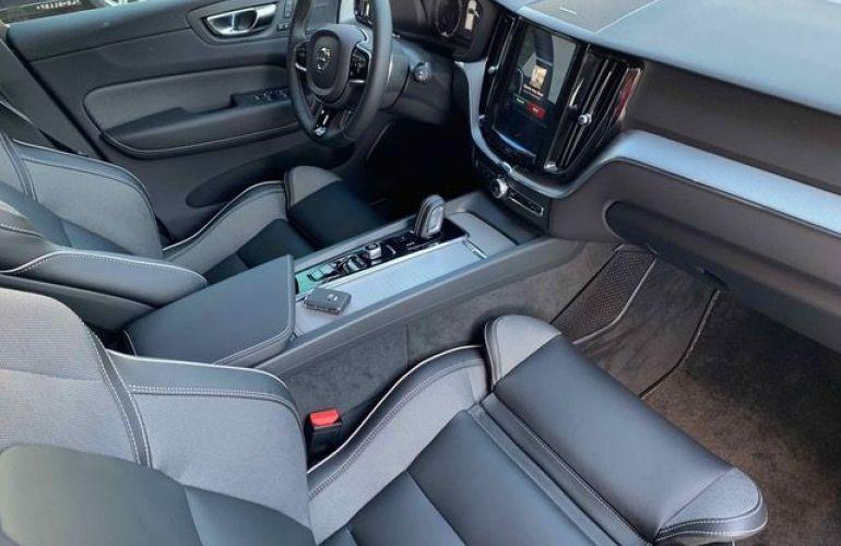 Volvo XC60 R-Design 2.0 T8 - Foto #9