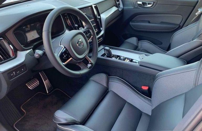 Volvo XC60 R-Design 2.0 T8 - Foto #10