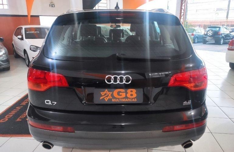 Audi Q7 4.2 V8 FSI - Foto #6