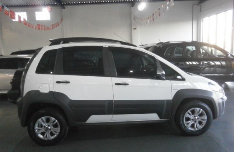Fiat Idea Adventure 1.8 Dualogic (Flex) - Foto #4