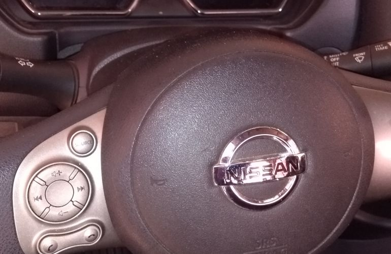 Nissan Versa 1.6 16V SL - Foto #9