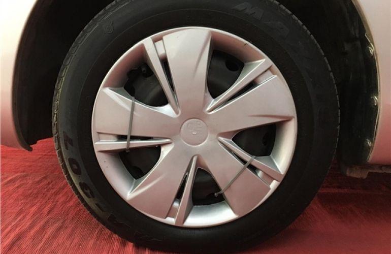 Nissan March 1.0 S 16V Flex 4p Manual - Foto #6