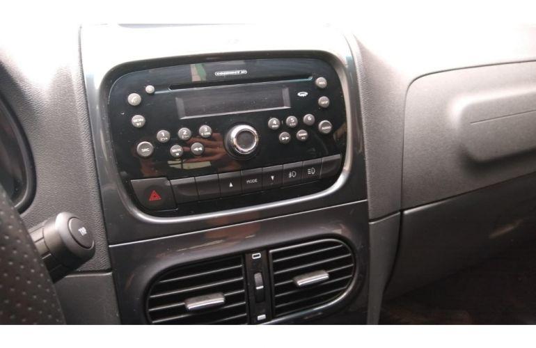 Fiat Strada Adventure 1.8 16V (Cabine Dupla) - Foto #8