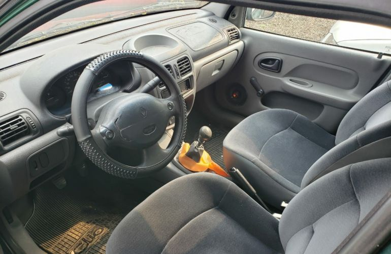 Renault Clio Hatch. RL 1.0 8V - Foto #1