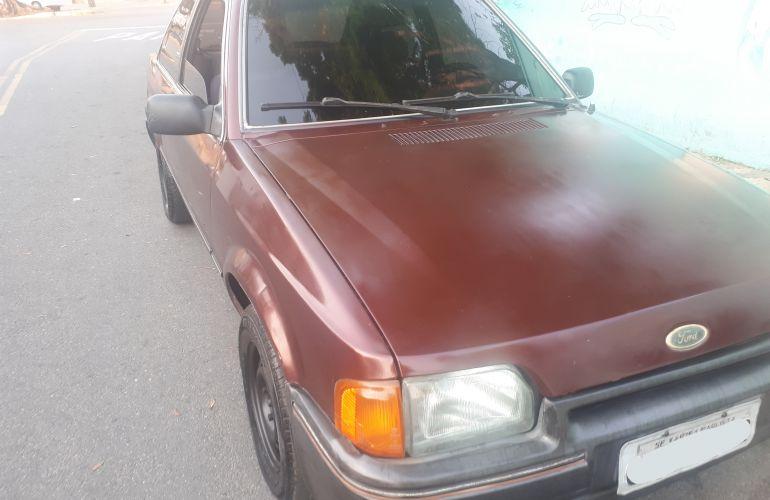 Ford Escort Hatch LX 1.6 - Foto #2