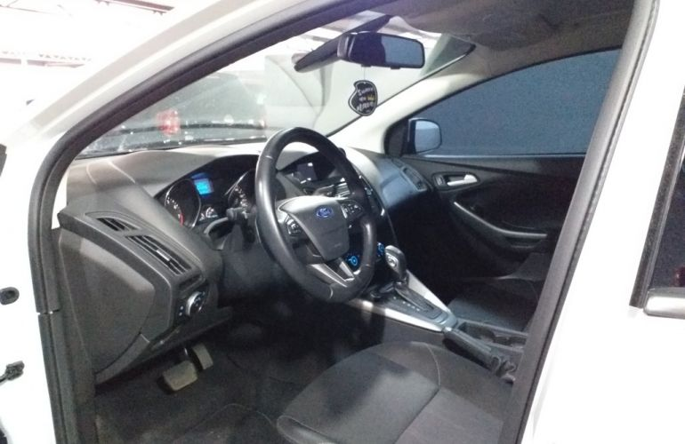 Ford Focus Sedan SE 2.0 16V PowerShift (Aut) - Foto #6