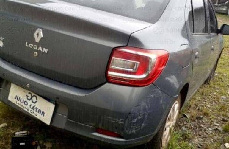 Renault Logan Expression 1.6 8V - Foto #2
