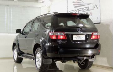 Toyota SW4 SRV 4X4 7 Lugares 3.0 Turbo Intercooler 16V - Foto #3