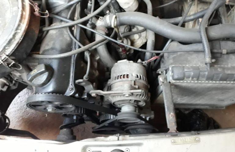Volkswagen Voyage GL 1.6 - Foto #6