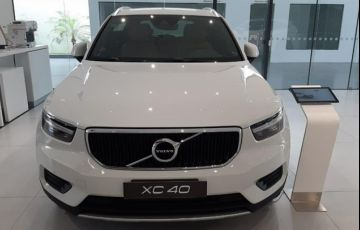 Volvo XC40 2.0 T4 Momentum AWD Geartronic