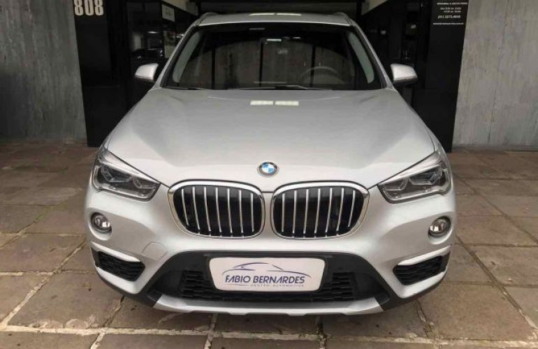 BMW X1 S 20i Active X Line 2.0 - Foto #2