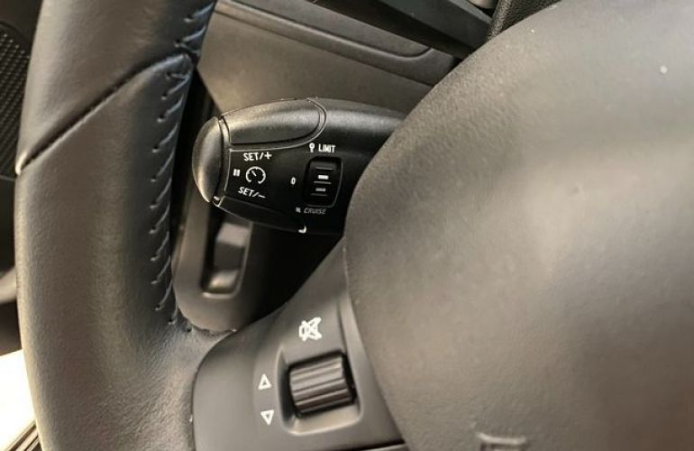 Peugeot 208 Allure 1.2  Flex - Foto #7
