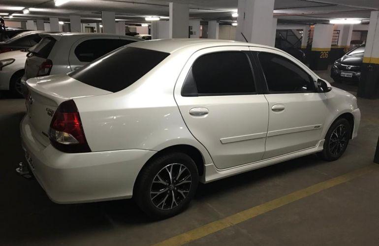 Toyota Etios Sedan Platinum 1.5 (Flex) (Aut) - Foto #1