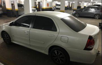 Toyota Etios Sedan Platinum 1.5 (Flex) (Aut) - Foto #2
