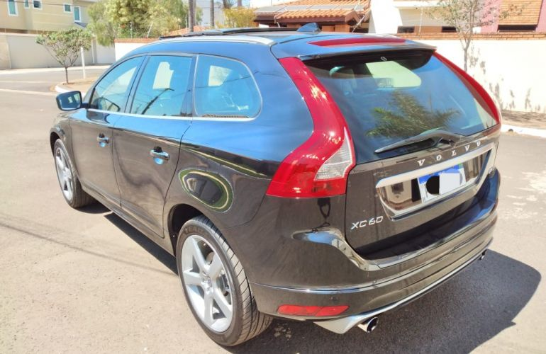 Volvo XC60 2.0 T5 R-Design PowerShift - Foto #8