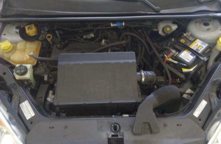 Ford Fiesta Hatch  SE Plus 1.6 RoCam (Flex) - Foto #7